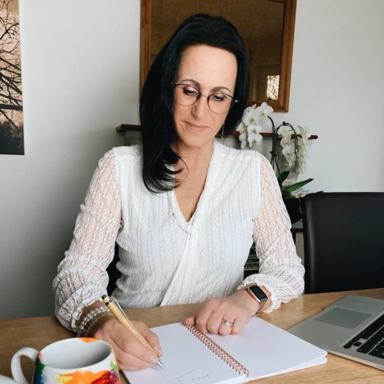 Matina Haacks Gründerin von imFLUSSsein. Mehr Gelassenheit, weniger Stress!