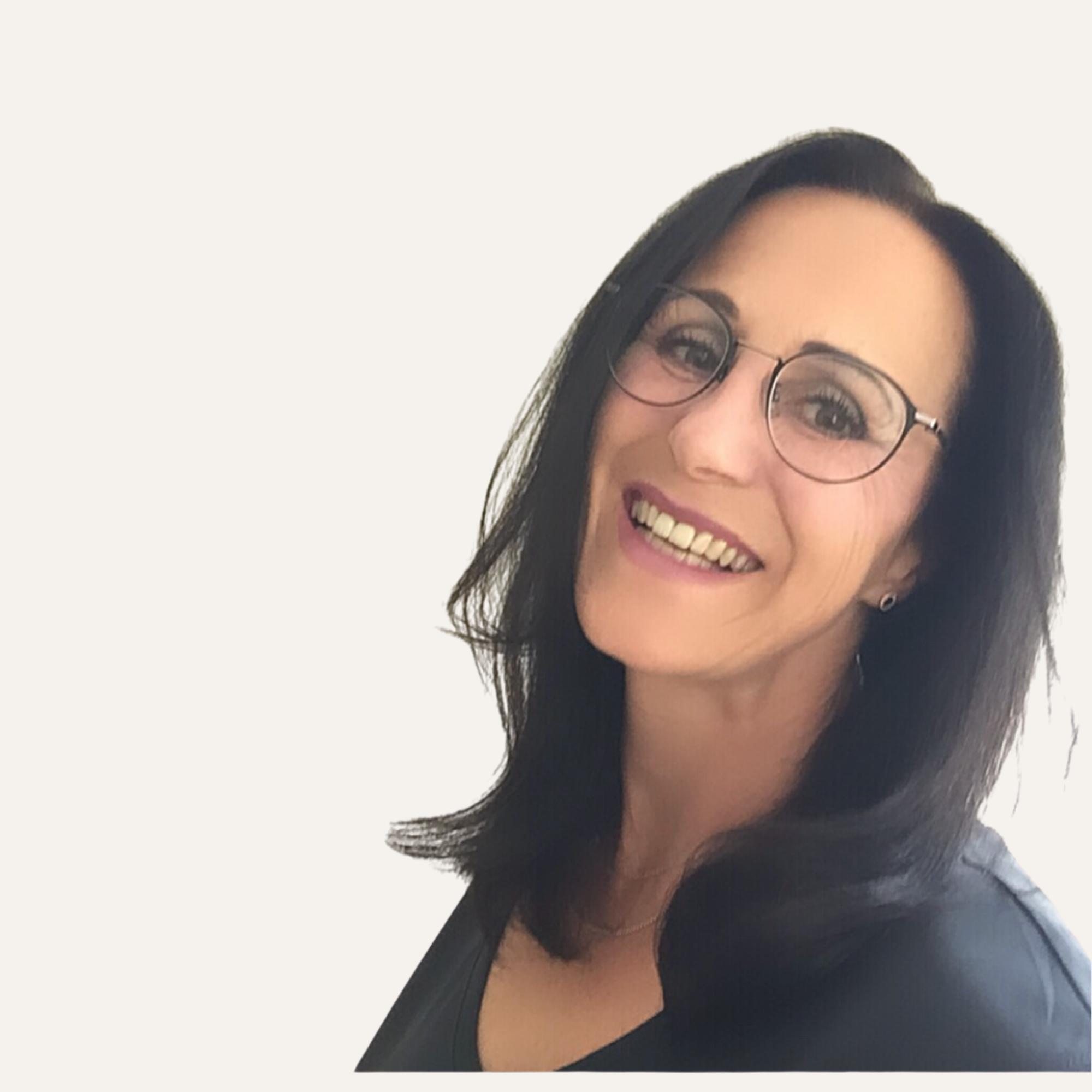 Matina Haacks, Gründerin von imFLUSSsein, Entpannungspädagogin und Lerntherapeutin. Mehr Leichtigkeit, weniger Stress!